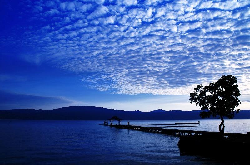 Самые, наиболее глубочайшие озера мира. Топ-10 (с фото)