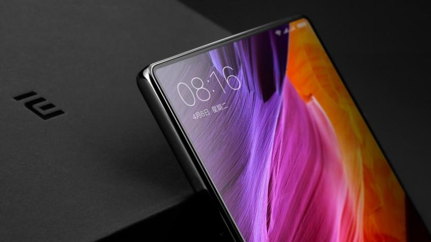 Официально: у Xiaomi Mi Mix3 будет 10 ГБ ОЗУ и 5G