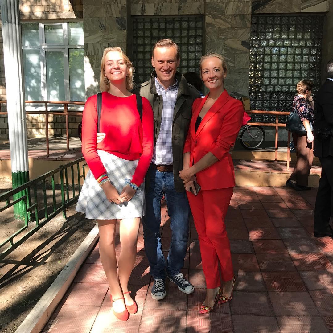 Навальный готовит дочь к поступлению в западные вузы за 700 000 рублей