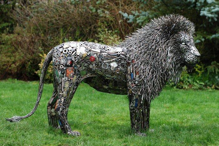 Скульптуры из металлолома: 15 самых оригинальных вариантов