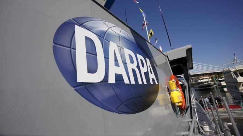 Фантастические проекты DARPA: от механического слона до гигантского дирижабля оружие