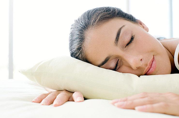 Как не проснуться «помятой»: 3 простые привычки, сохраняющие молодость во сне здоровье,красота,молодость,полезные привычки,сон,уход за кожей