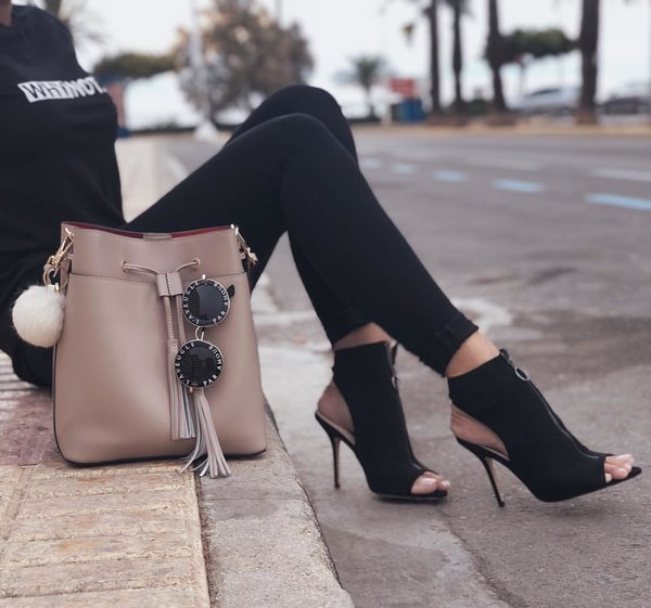 Примеры самой модной обуви и сумок на осень 2018