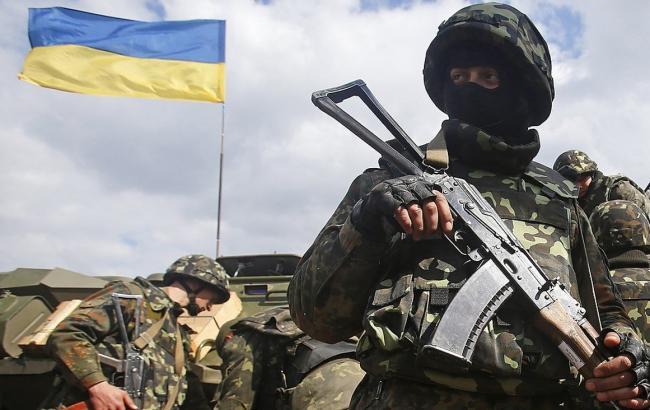 В Донбассе украинские боевики расстреляли автобус в районе Золотого-5