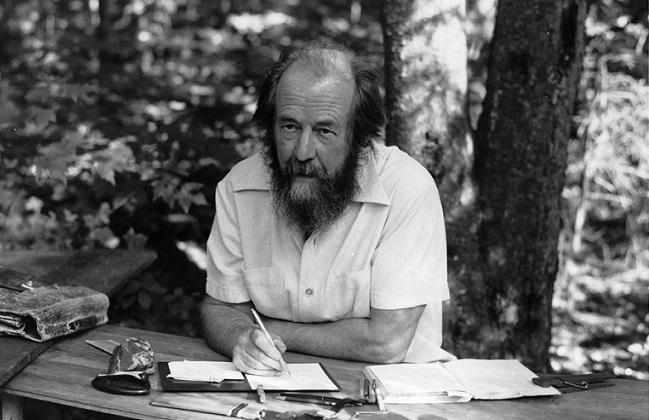 «Не верю!»: почему русские эмигранты не верили в существование Солженицына