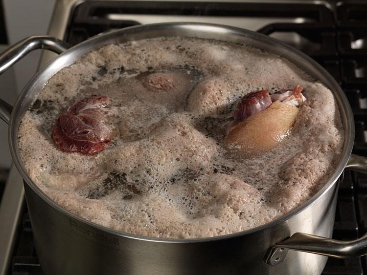 Что значит, если при варке бульона образуется много пены? Готовьте мясо с умом