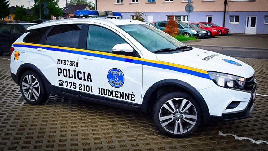 Словацкие полицейские пересели на Lada Vesta Марки и модели