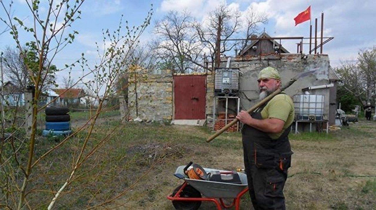В Одессе над частным домом взвился флаг СССР