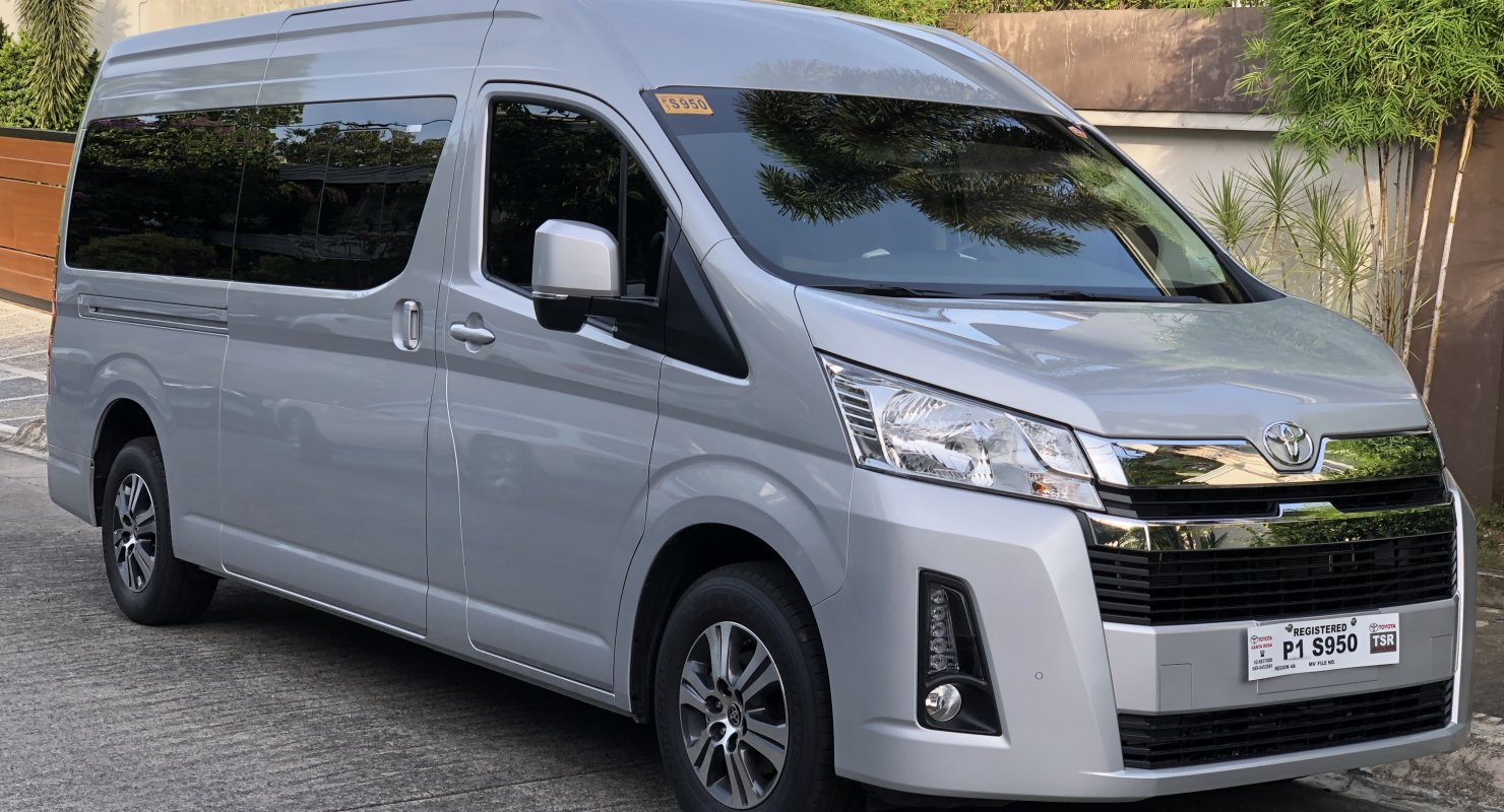 Микроавтобус Toyota Hiace — авто, у которого нет конкурентов Автомобили