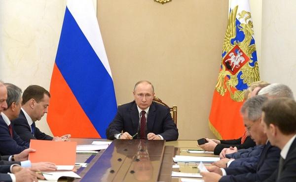 Путин обсудил счленами Совбеза провокации Британии поотношению кРоссии