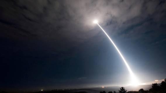 Глава Стратегического командования США предупредил, что Америка отстает от Китая и России в модернизации ядерного оружия