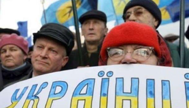 Более 70% граждан Украины высказались против военного положения