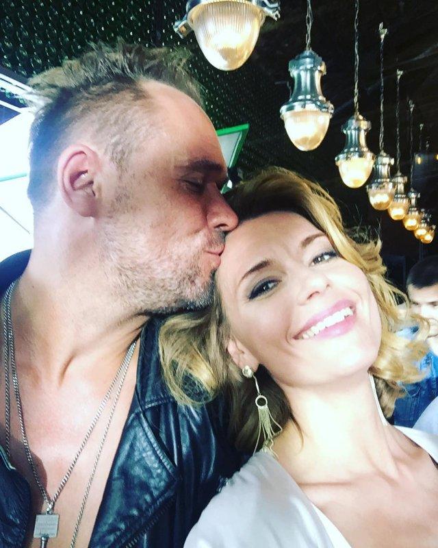 «Красивая пара»: выяснились подробности тайного романа Максима Аверина и Любови Толкалиной