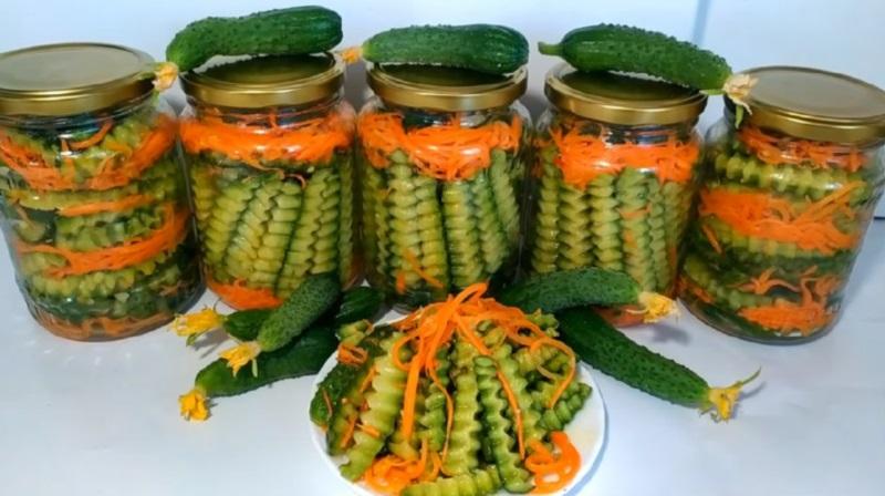 Как приготовить салат из огурцов и моркови на зиму