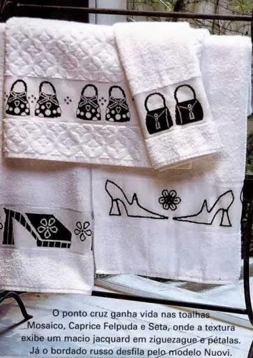 Подборка схем черно-белой, монохромной вышивки крестом для банного полотенца
