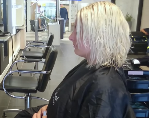 Стоит ли доверять стрижку незнакомому парикмахеру? внешность,волосы,мода и красота,прически,стрижки