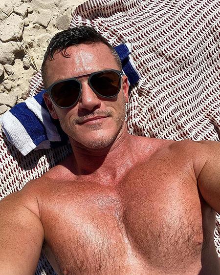 Звездный Instagram: домашний уют, бьюти-процедуры и, конечно, курорты — такая разная осень в блогах знаменитостей Хроника