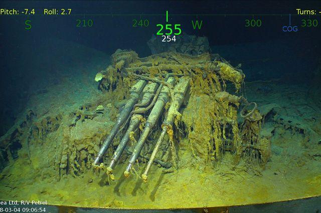 Обломки затонувшего авианосца ВМС США времён Второй мировой