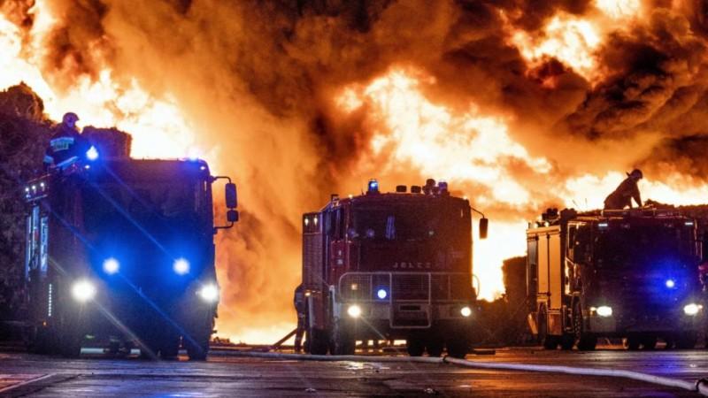 Мусор всей Европы горит под Варшавой