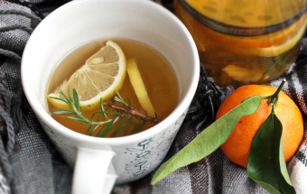 Пряный зимний чай с мандаринами