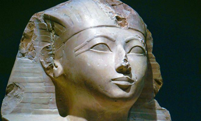 Ученые выяснили, почему у египетских статуй сбиты носы. Так фараоны защищали себя от духов предков