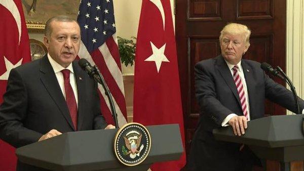 Эрдоган чувствует лицемерие США: в лицо – улыбка, за спиной – дубинка