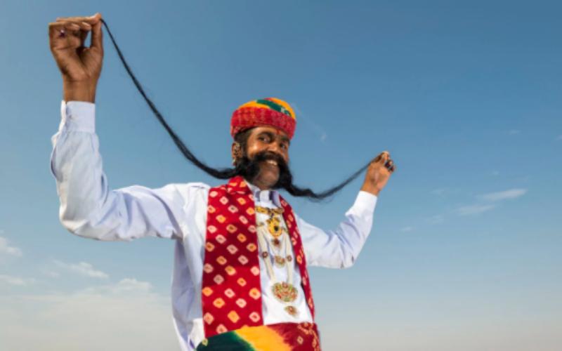 Усы раздора: индийцы из низшей касты борются за право носить растительность на лице