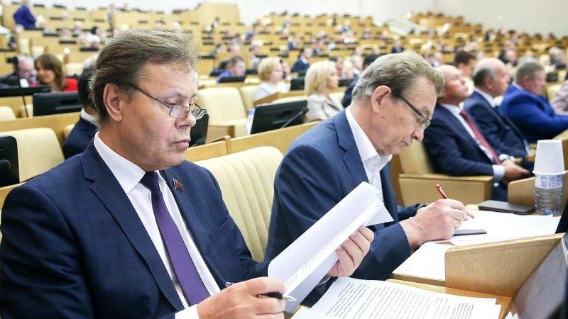 «Это полный бред»: в Госдуме высмеяли обещание Порошенко ликвидировать базу российского флота в Крыму