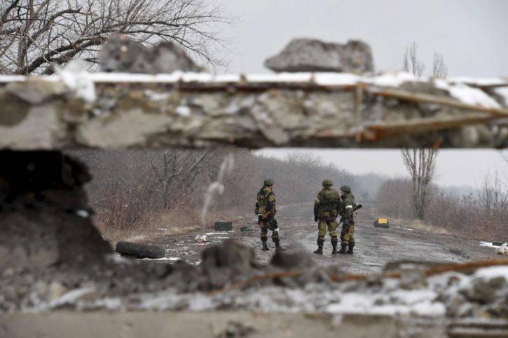Украинским силовикам перекрыли стратегическую дорогу в Донбассе; срочный призыв России – ДНР и ЛНР, хроника событий