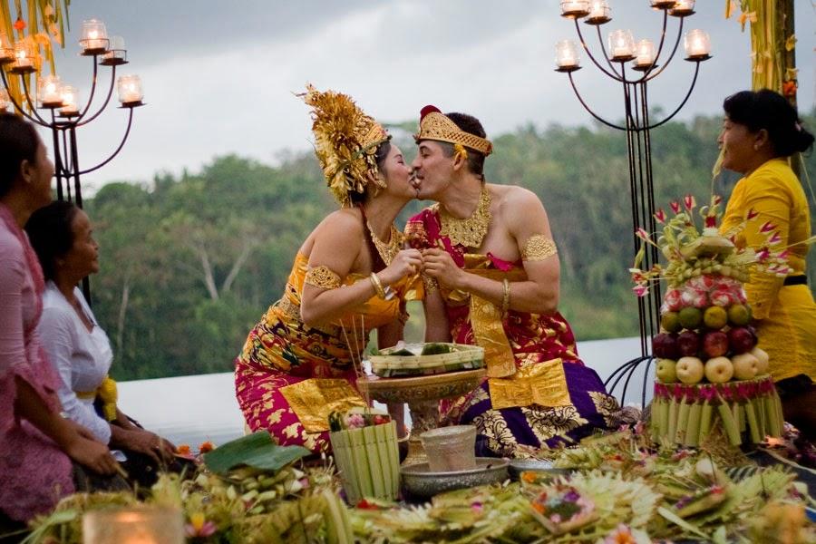 обычаи индонезии фото короткие