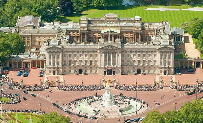 5 самых дорогих дворцов мира, один из которых находится в России