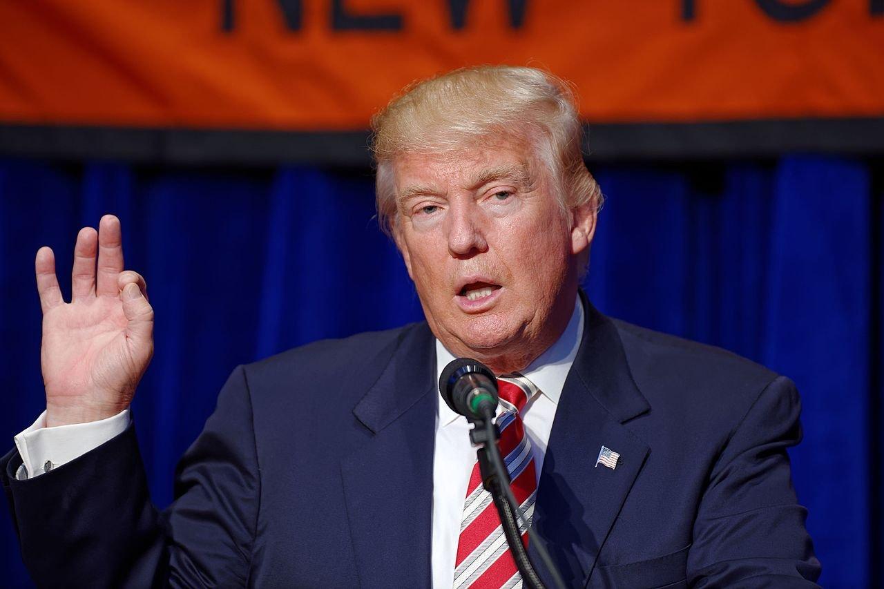 «Затишье перед бурей»: Трамп встретился с американскими чиновниками
