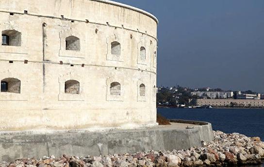 Шойгу провел экскурсию по Константиновской батарее в Севастополе
