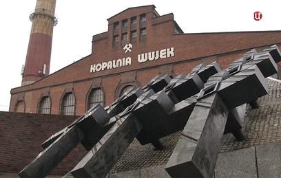 """Смотрите в 22:30 спецрепортаж """"Польша: Самосуд над историей"""""""