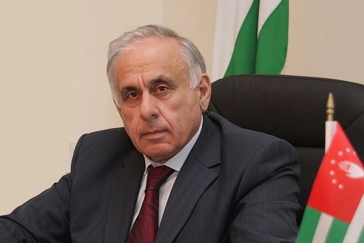 В Интернете появилось первое видео с места ДТП, в котором погиб премьер Абхазии Геннадий Гагулия