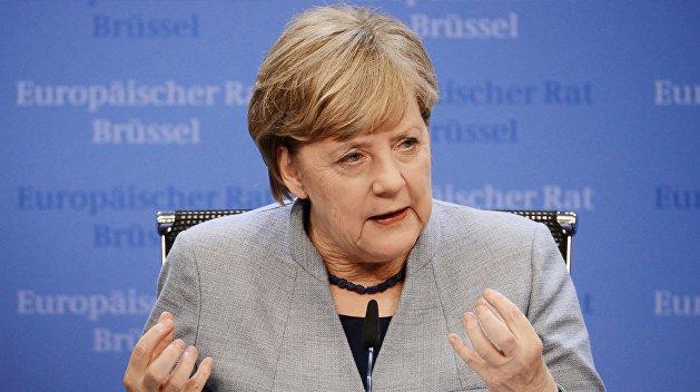 Меркель рассказала, почему ЕС не отменяет санкции против РФ