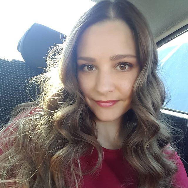 Актриса Глафира Тарханова смело опубликовала фото в бикини