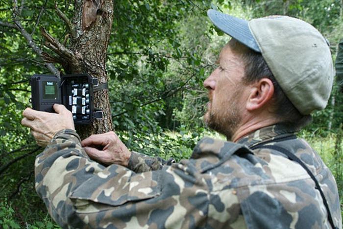 Когда в Чернобыле он установил фотоловушку, то камера сняла невероятное!