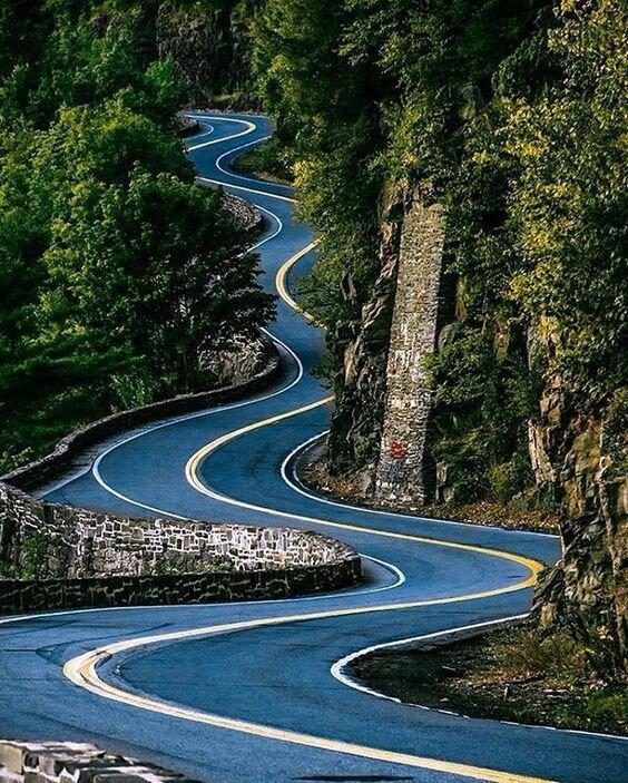 Которые хотелось бы пройти, которые хотелось бы увидеть дороги, какой большой мир, красота, умиротворение, фотомир