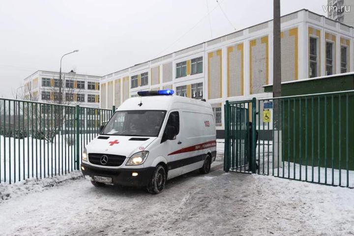 Школа занялась собственным «расследованием» закончившейся сотрясением мозга драки учащихся