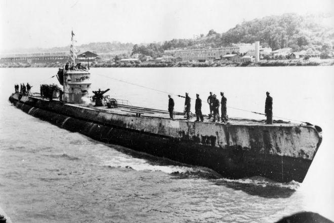 Противостояние субмарин под водой: охота продолжительностью 3 часа Лондерс, никогда, лодки, Напряженная, поднимали, противника, перископу, сумел, перископы, дуэлей, Изредка, пеленгТри, подводных, проводил, опытом, огромным, обладал, атакуДжеймс, уточнить, концеконцов