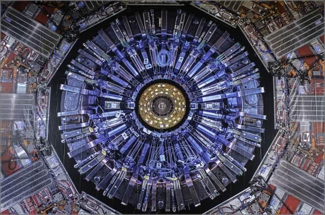 Большой адронный коллайдер нашел новую частицу