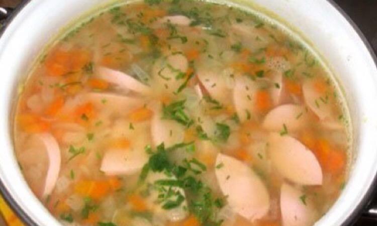 Аппетитный шахтерский суп с гречкой и сардельками