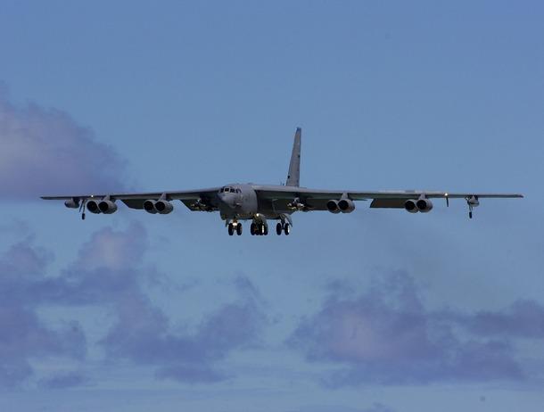 США перебросили на Украину военные самолеты-заправщики