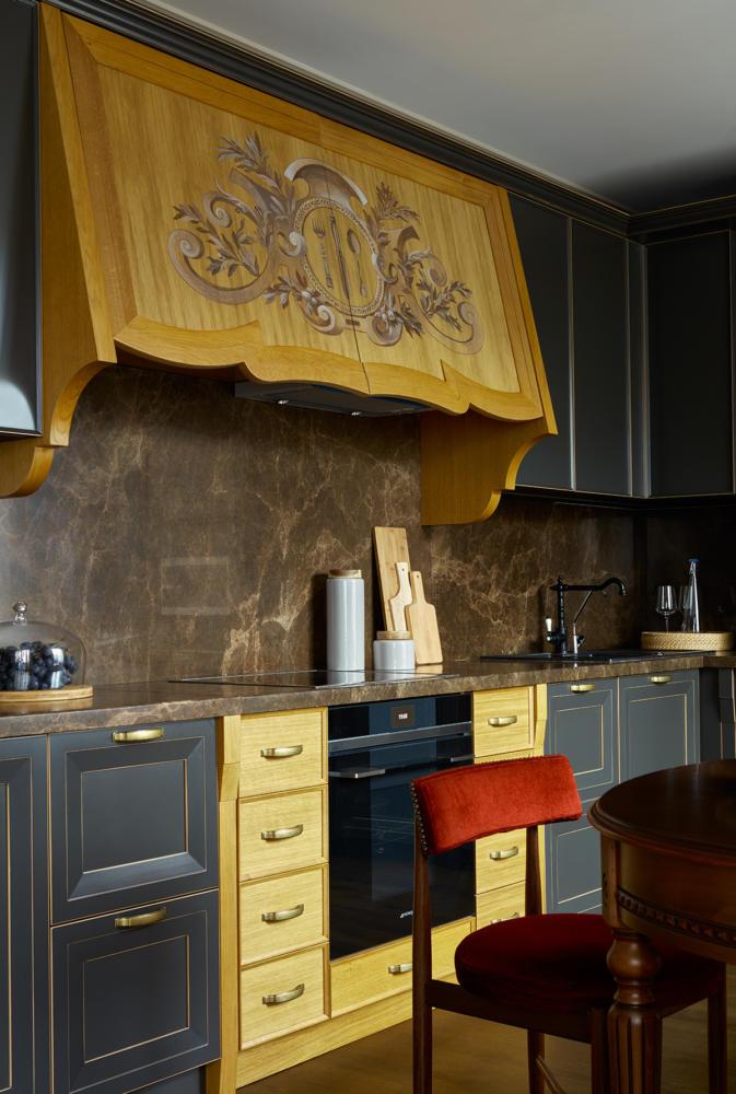 Кухня/столовая в цветах: Бежевый, Голубой, Желтый, Серый, Темно-коричневый. Кухня/столовая в стиле: Прованс.