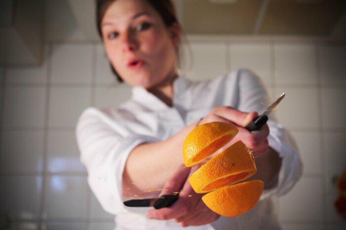 Почему даже дорогие ножи быстро тупятся: ошибка, которую допускают хозяева