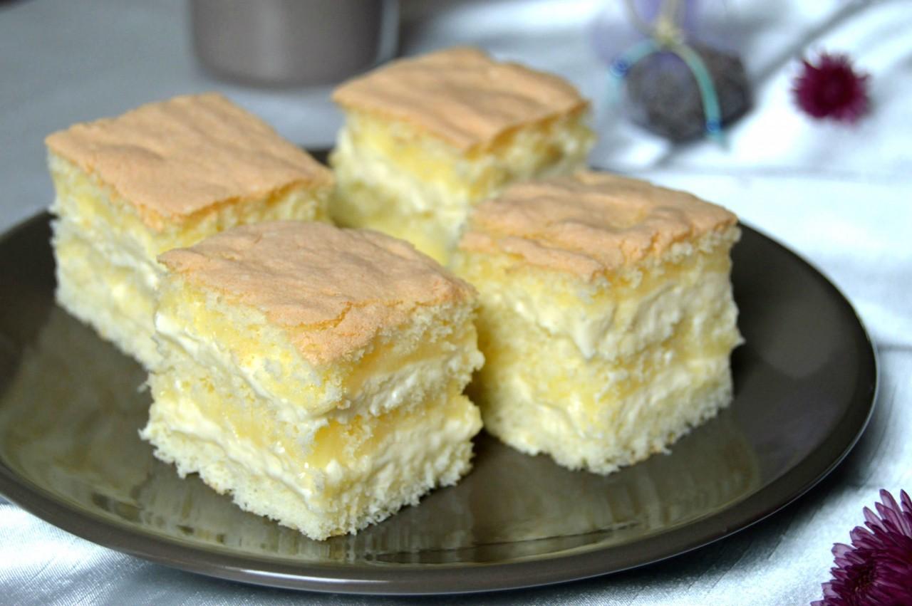 Пирожное с лимонным курдом и кремом с белым шоколадом