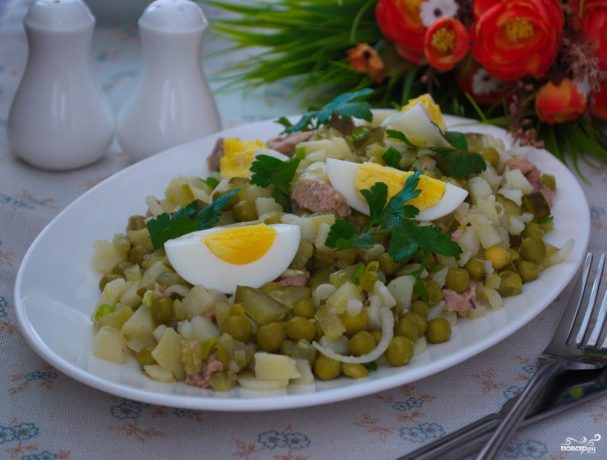Салат из консервированной пе…
