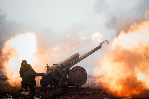 В день переговоров в Минске ВСУ в 2 раза увеличили плотность обстрела Донбасса