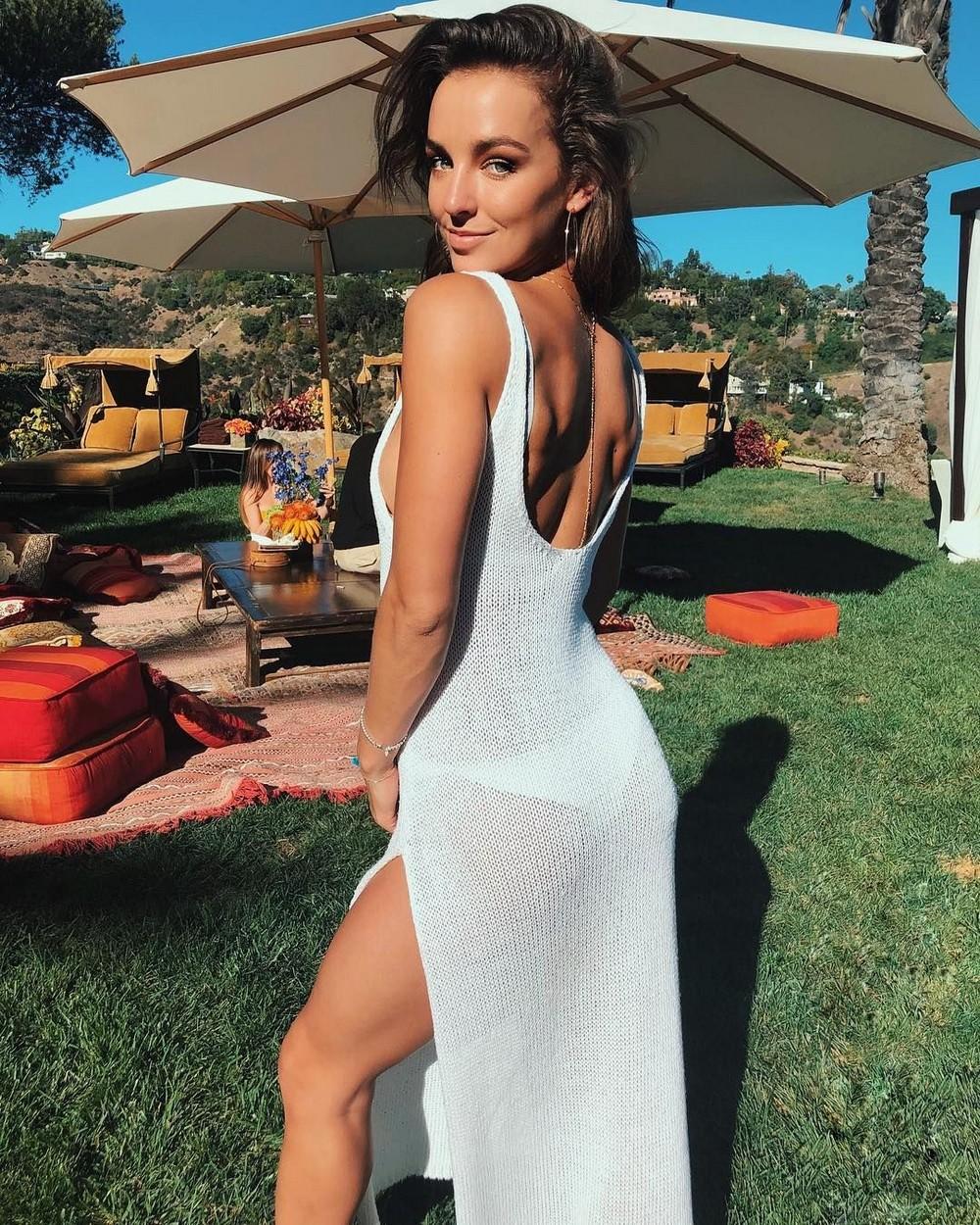 Девки в прозрачном платье #10